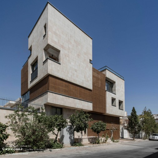 Square House in Isfahan Iran by Ameneh Bakhtiar Modern House Design  1 1